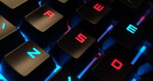 Gamer billentyűzet LED világítással